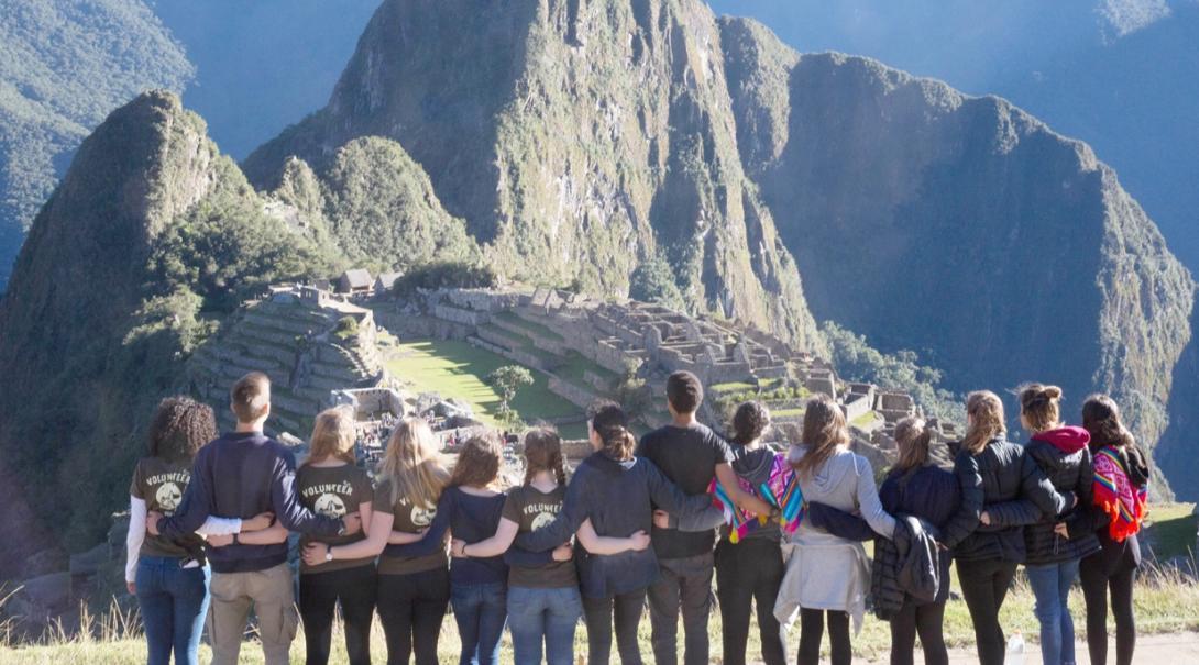 高校生ボランティアが週末にペルーの世界遺産マチュピチュを訪問